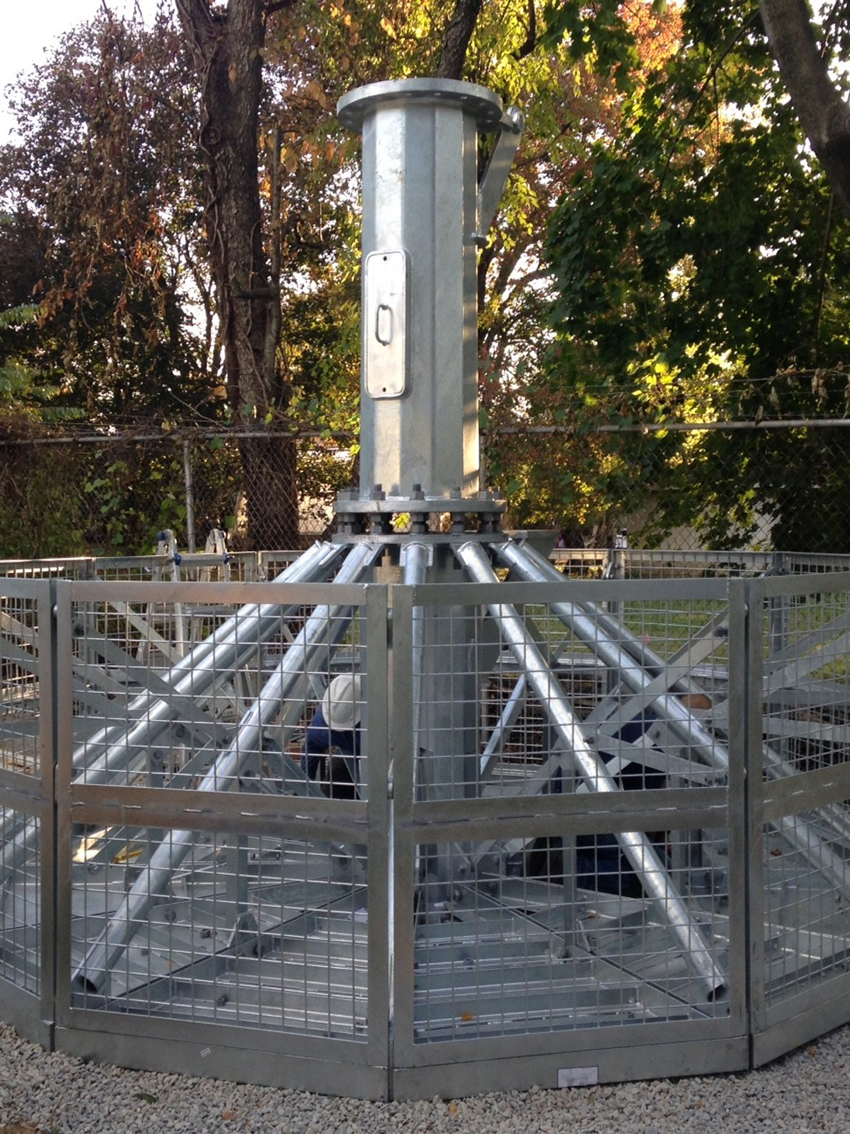 foundationless-telecom-tower